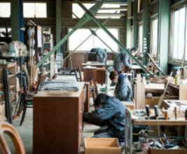 アンティーク家具の修理