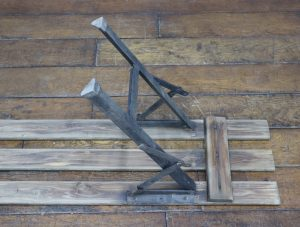 ケントストア・アンティーク家具のテーブル