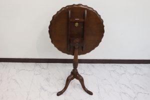 ケントストア・アンティーク家具のティルトップテーブル