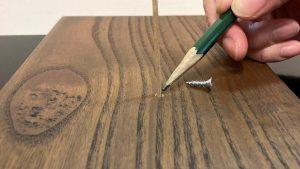 アンティーク家具のネジ穴補修方法